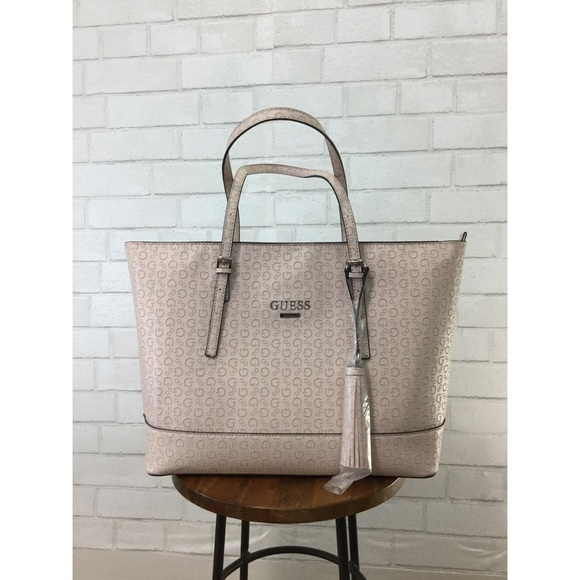 d6dc7d9516cf Guess Blush Pink Embossed Logo Tote Purse BNWT